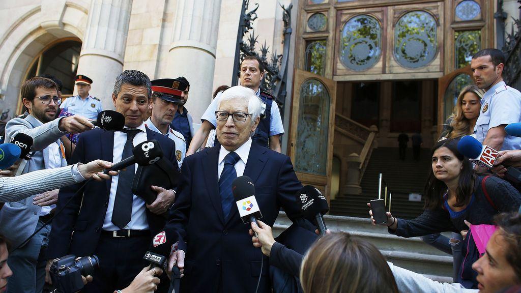 Los abogados de los Messi salen de la Audiencia de Barcelona