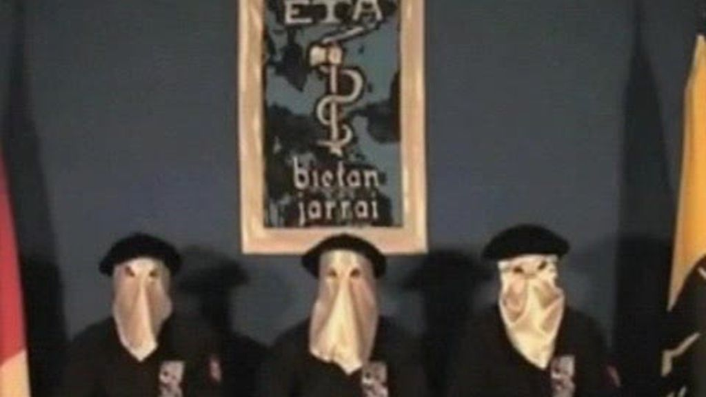 La pista del comunicado de ETA: una reunión en París