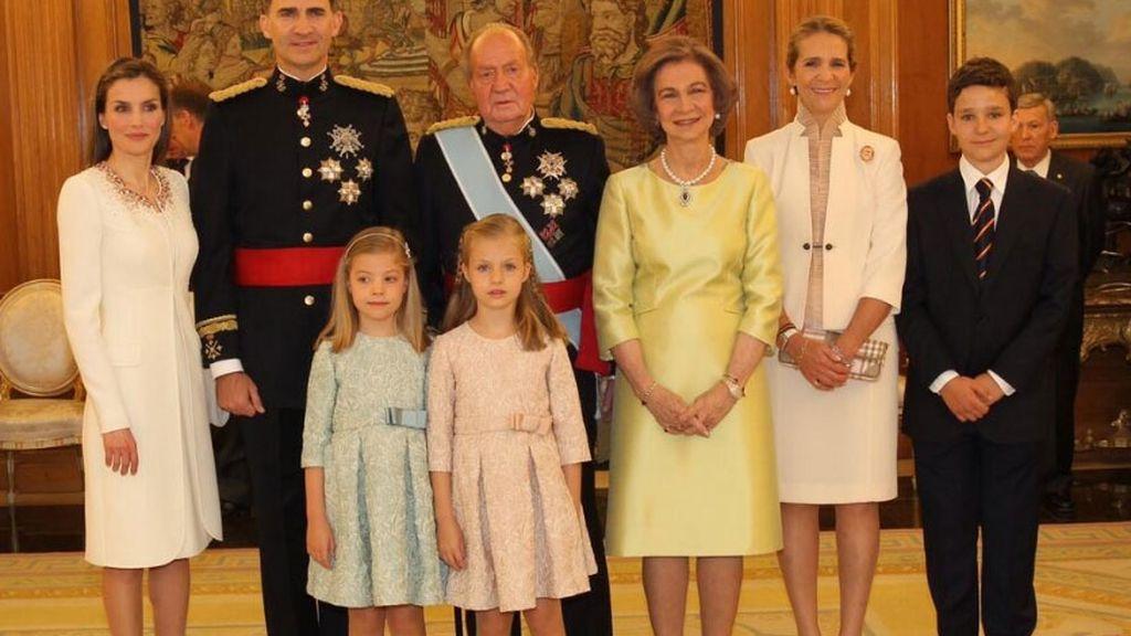 Don Juan Carlos le ha impuesto a Felipe VI el fajín de capitán general del Ejército