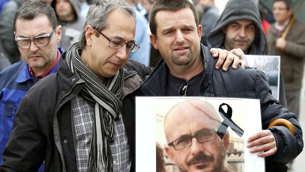 Minuto de silencio y lágrimas en Barcelona