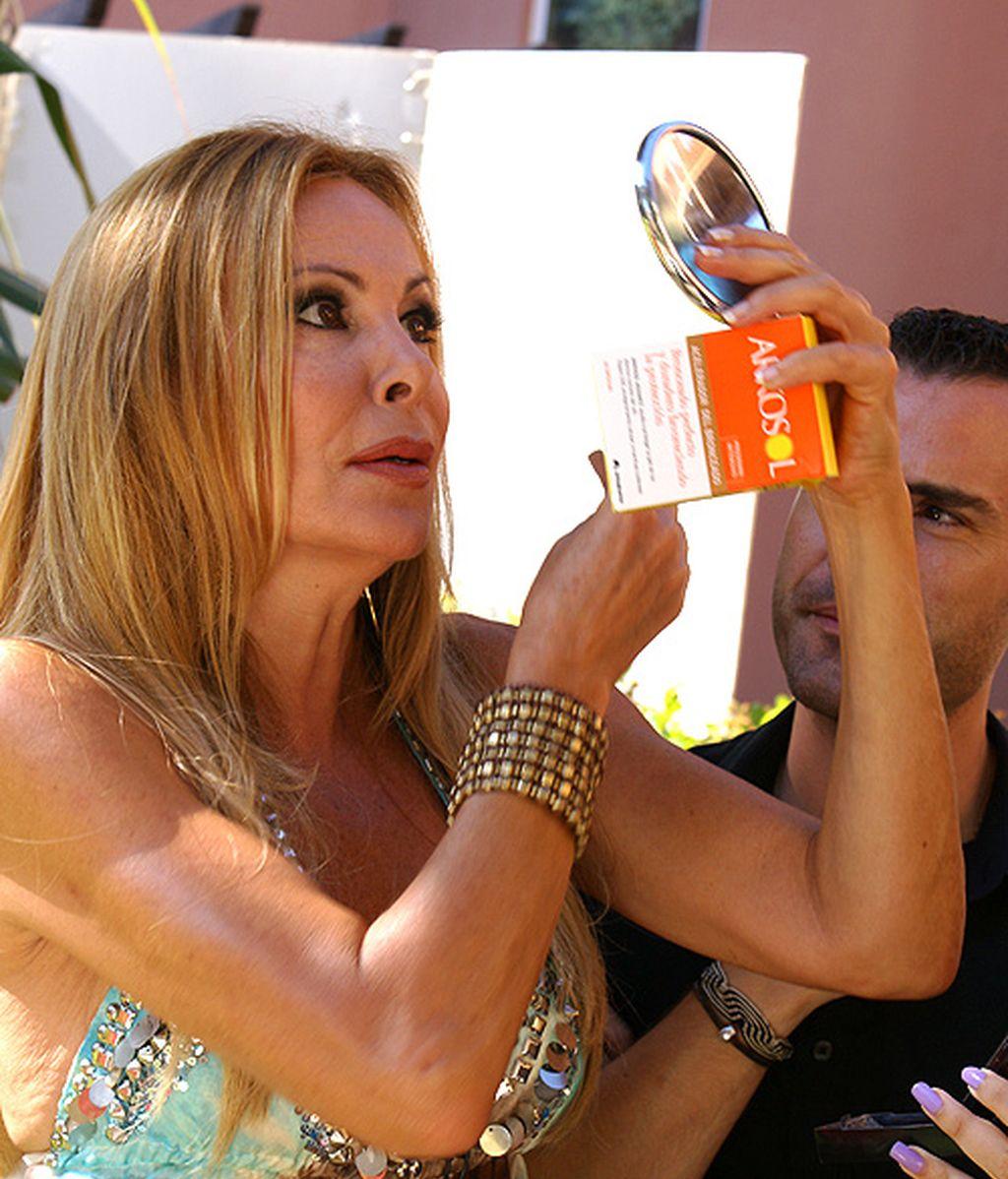 Tabaco y Cola Light, así se hizo el posado veraniego de Ana Obregón