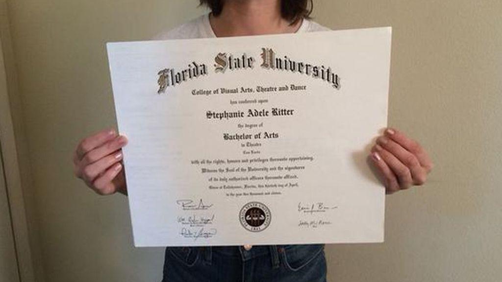 Una mujer vende su diploma de la universidad en eBay por falta de trabajo