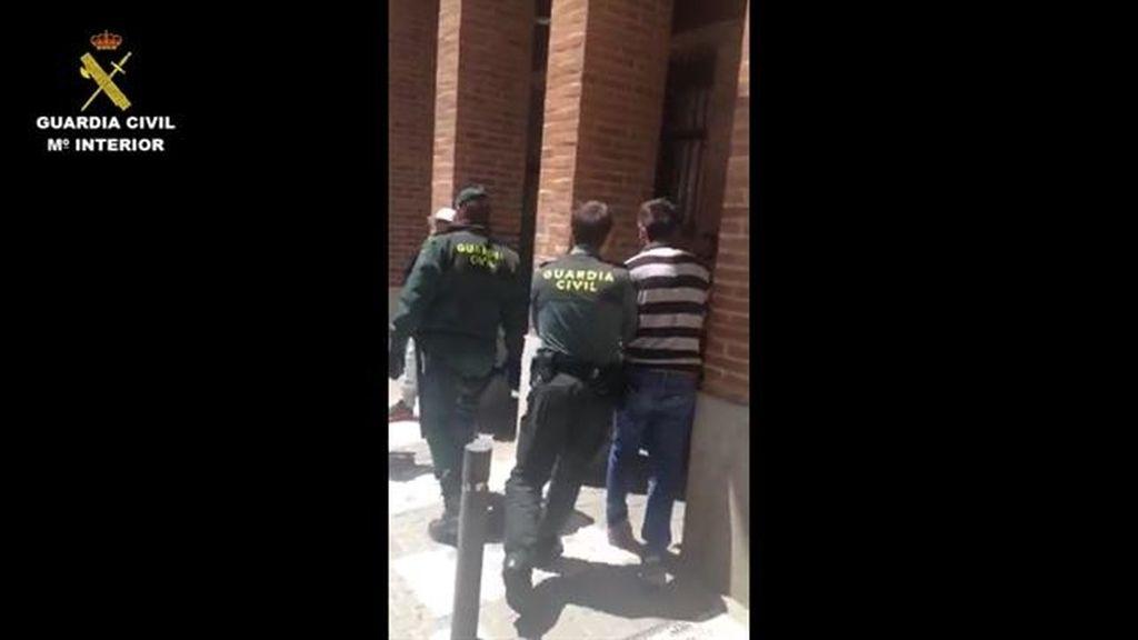 Cinco detenidos en Valladolid y Sevilla por vender y explotar a una menor de 11 años
