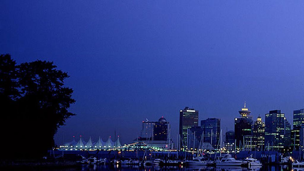 Puerto de Vancouver al anochecer