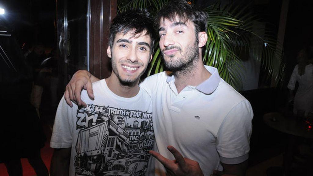 El actor Israel Rodriguez y su hermano Carlos Rodríguez