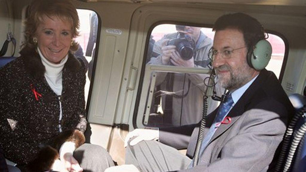 Mariano Rajoy y Esperanza Aguirre, instantes antes de su accidente en helicóptero