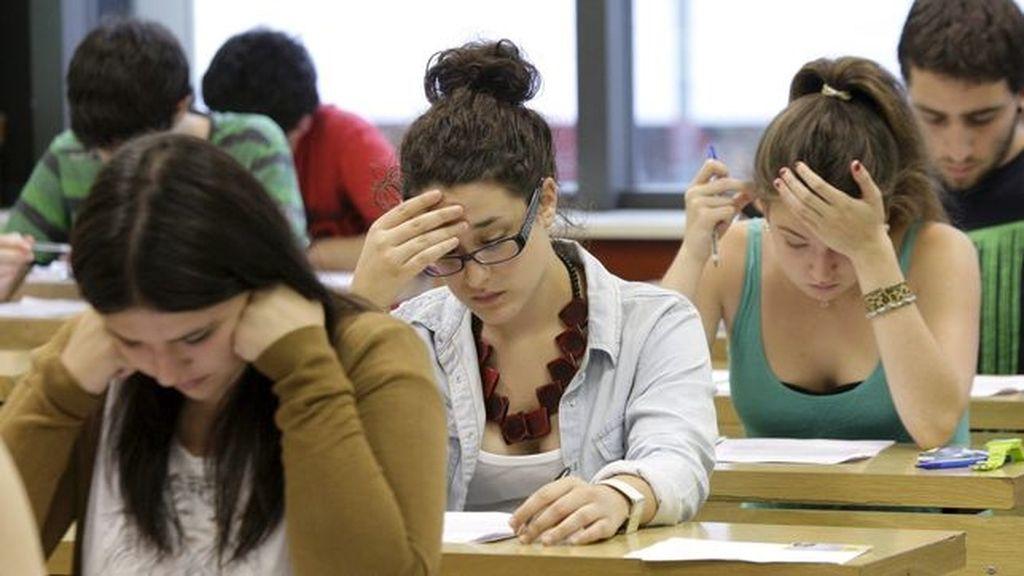 Alumnos durante la prueba de Selectividad