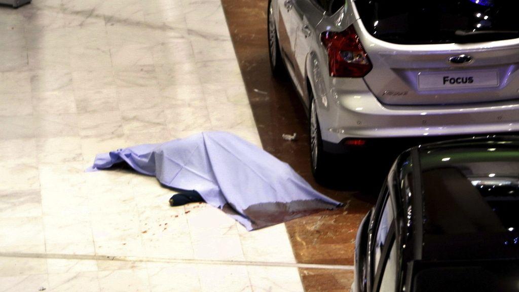Muere una menor al caer desde un primer piso en un centro comercial