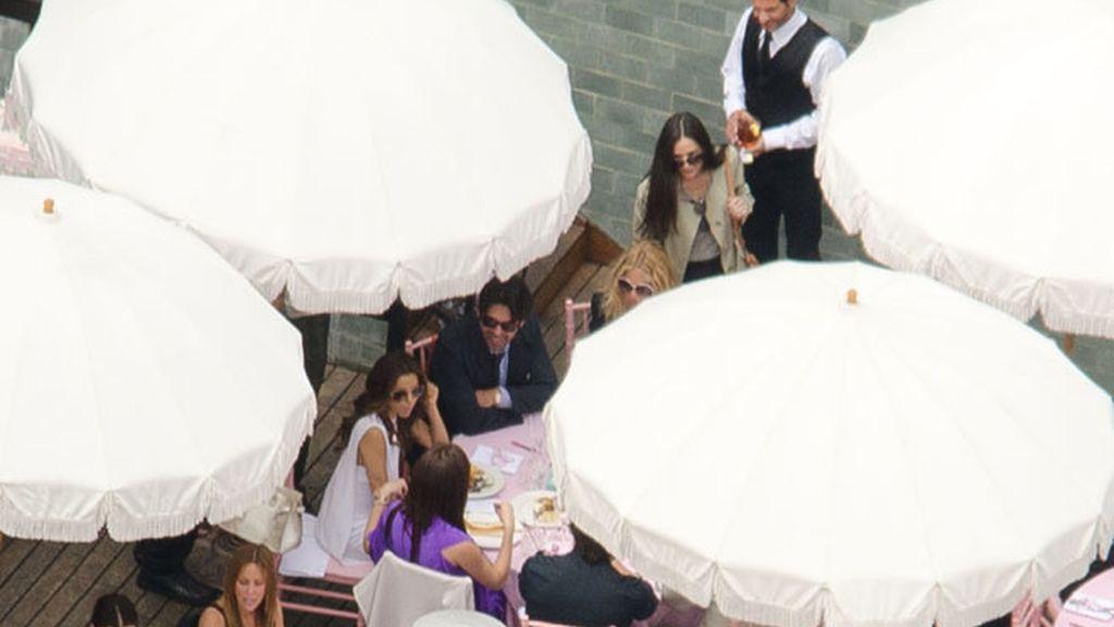 Victoria y sus amigas famosas celebran la baby shower de la bebé Beckham