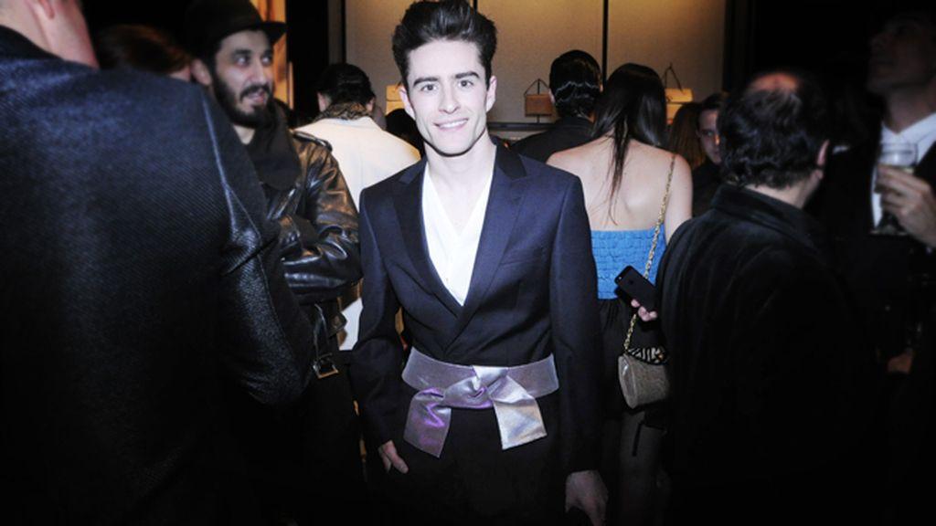 El diseñador y blogger Pelayo Díaz, guapísimo de Armani