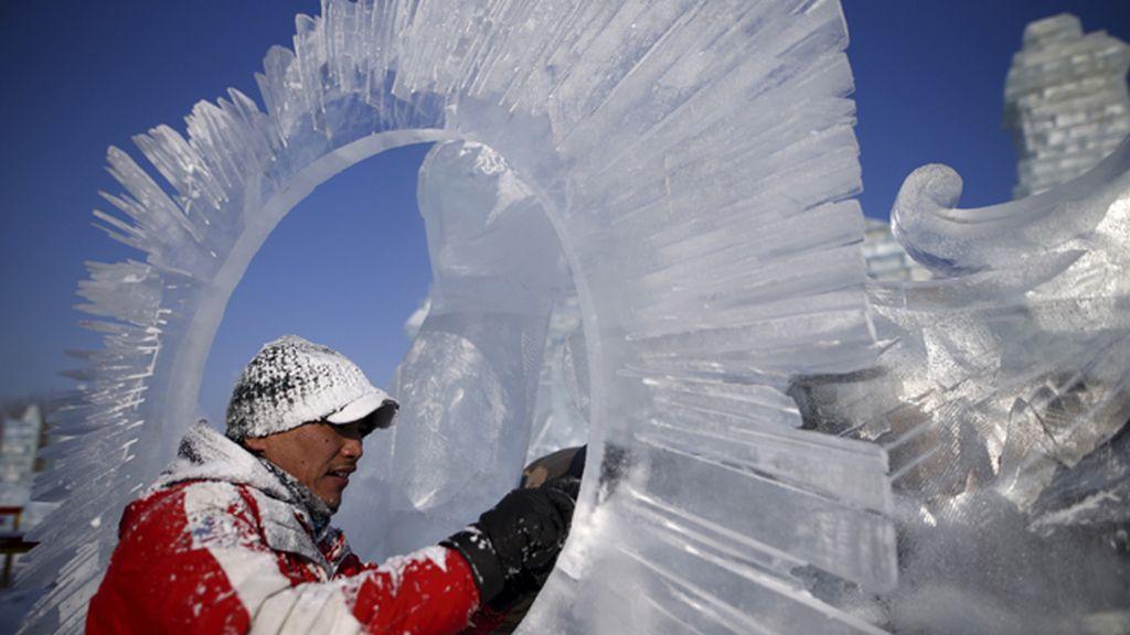Las increíbles obras talladas en hielo del Festival Harbin
