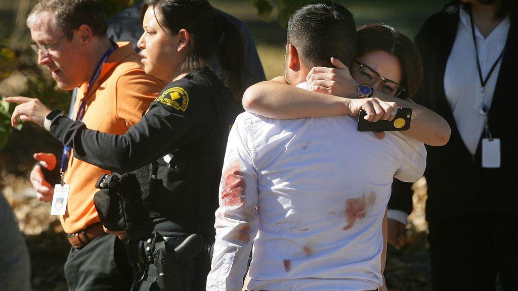 La pareja detrás de la matanza de San Bernardino lo planeó de antemano y dejó bombas