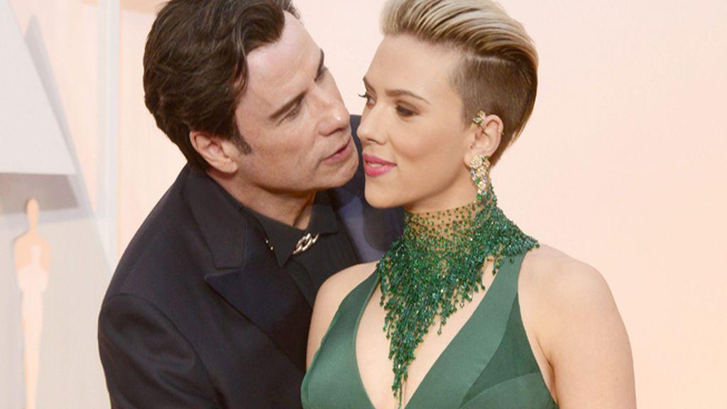 Scarlett Johansson y John Travolta