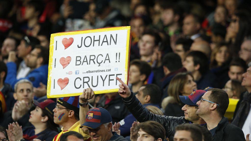 Los culés recuerdan a Johan Cruyff en el clásico