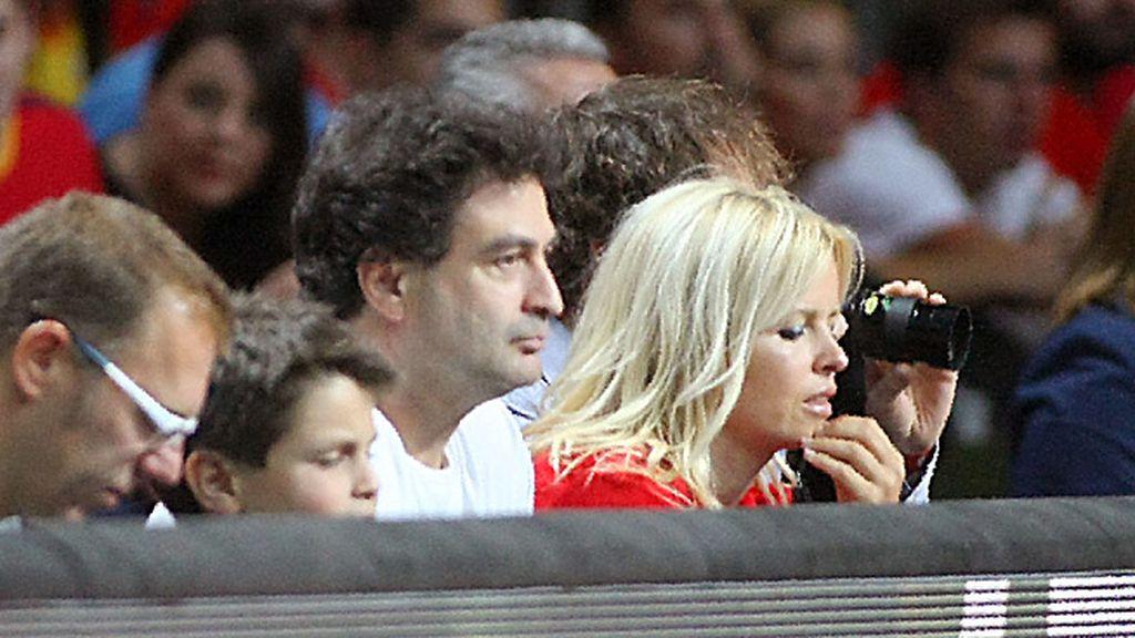 El cocinero Pepe Rodriguez vio el partido con la actriz Lluvia Rojo