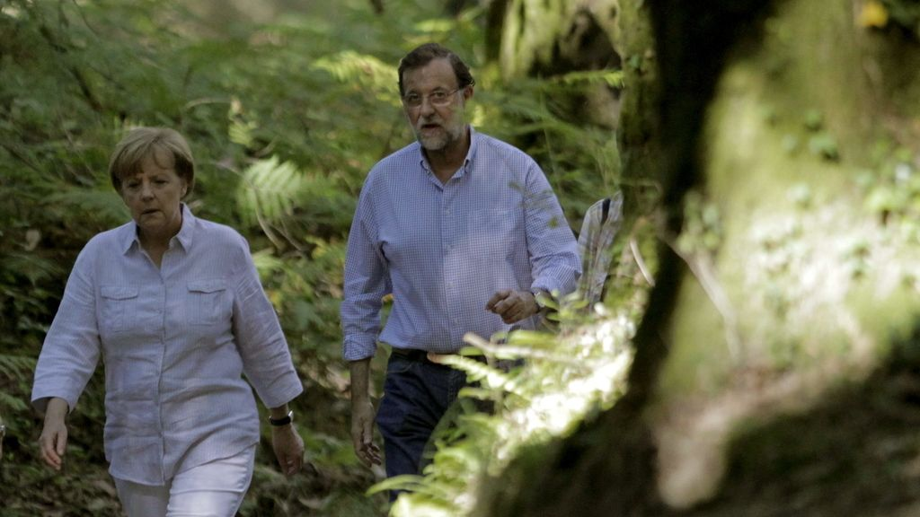 Merkel y Rajoy recorren seis kilómetros del Camino de Santiago. Foto: EFE