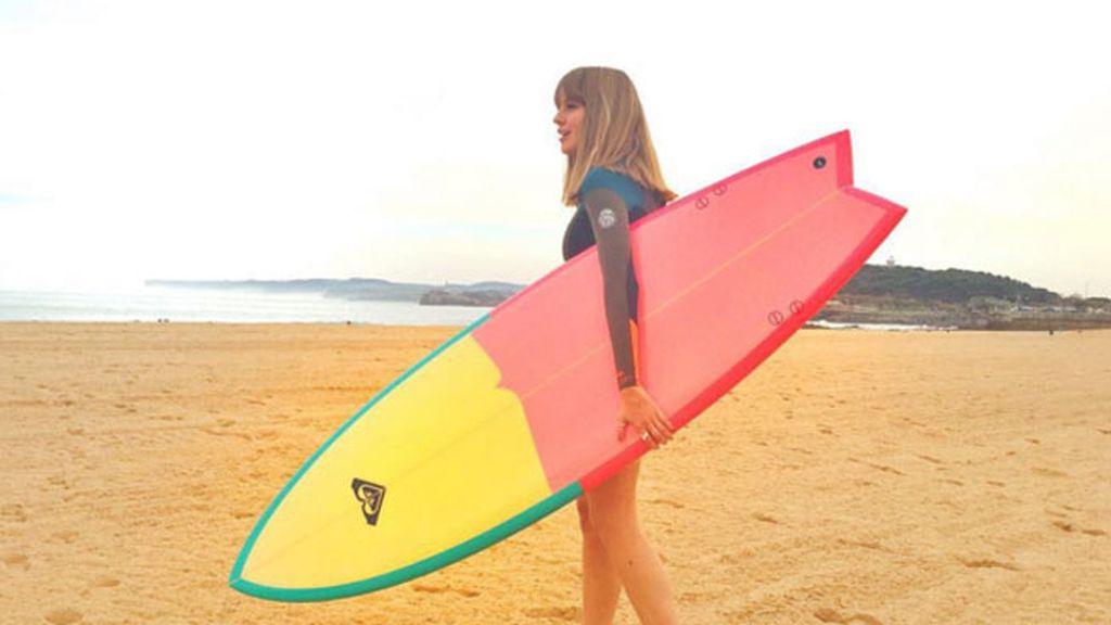 """Esmeralda Moya: """"Y en navidades... ¡A surfear!"""""""