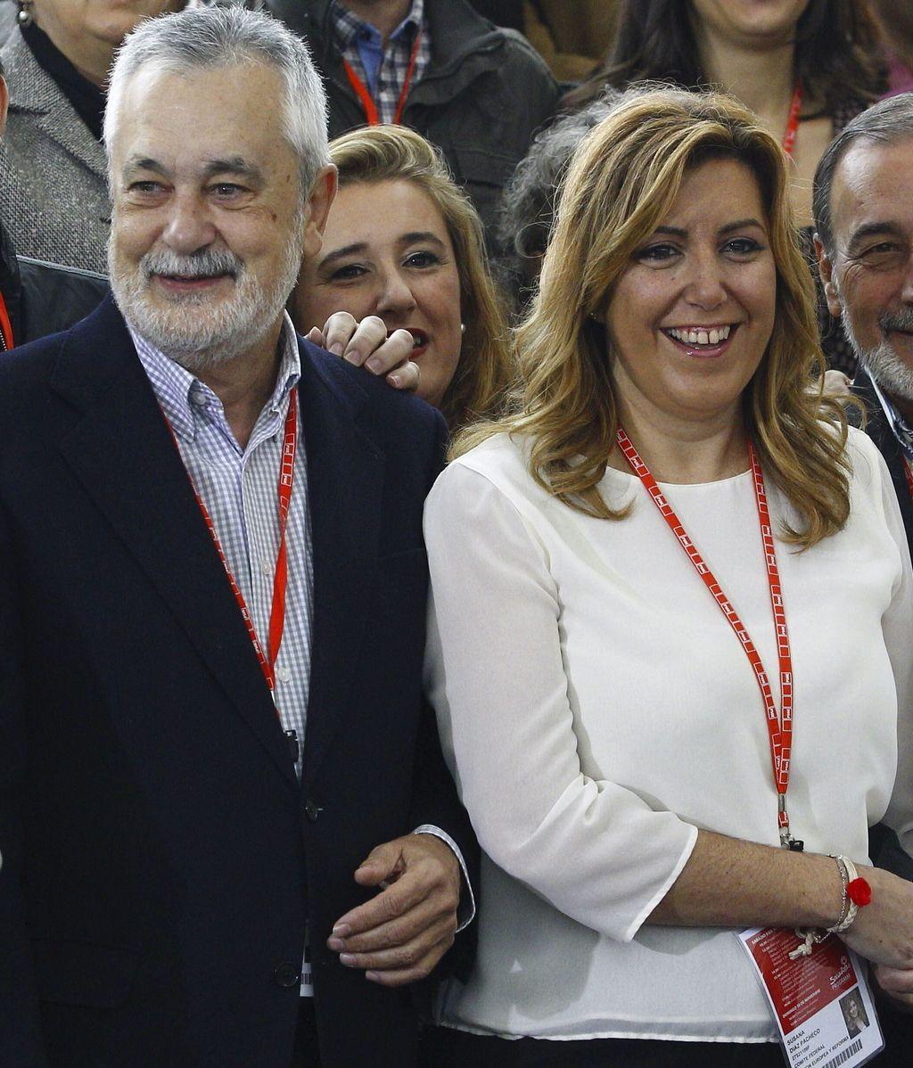 Susana Díaz con José Antonio Griñán en el cierre del cónclave socialista