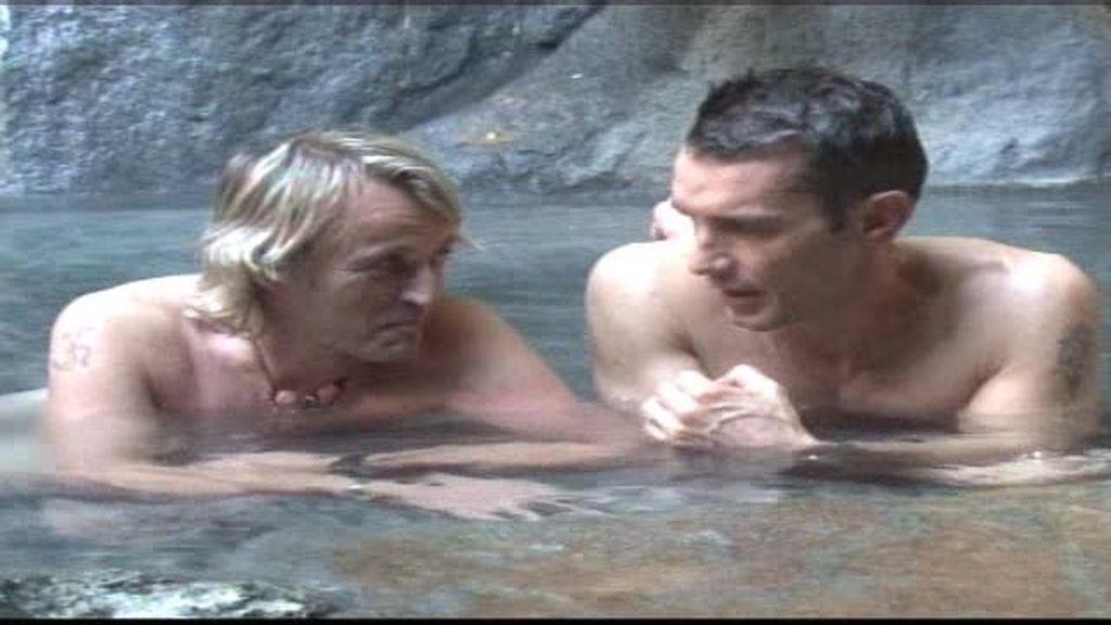 El baño sagrado de Calleja y Jesús Vázquez