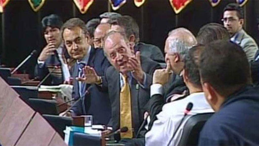En el famoso momento en el que el Rey increpó a Chávez con el 'por qué no te callas'