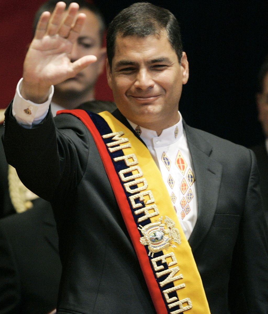 Correa abandona la sala de la Cumbre Iberoamericana