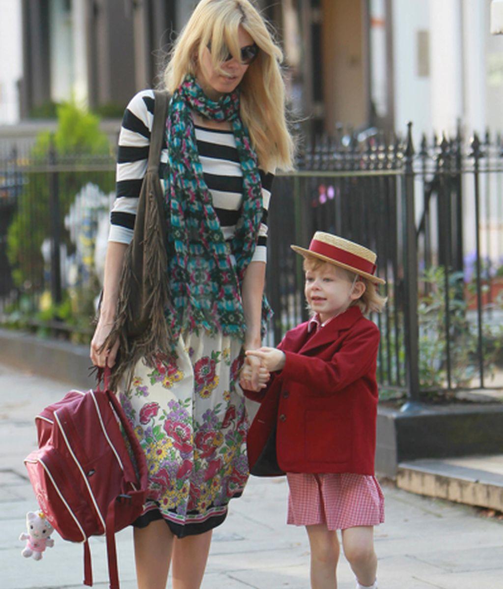 Por qué no deberíamos vestir como Claudia Schiffer