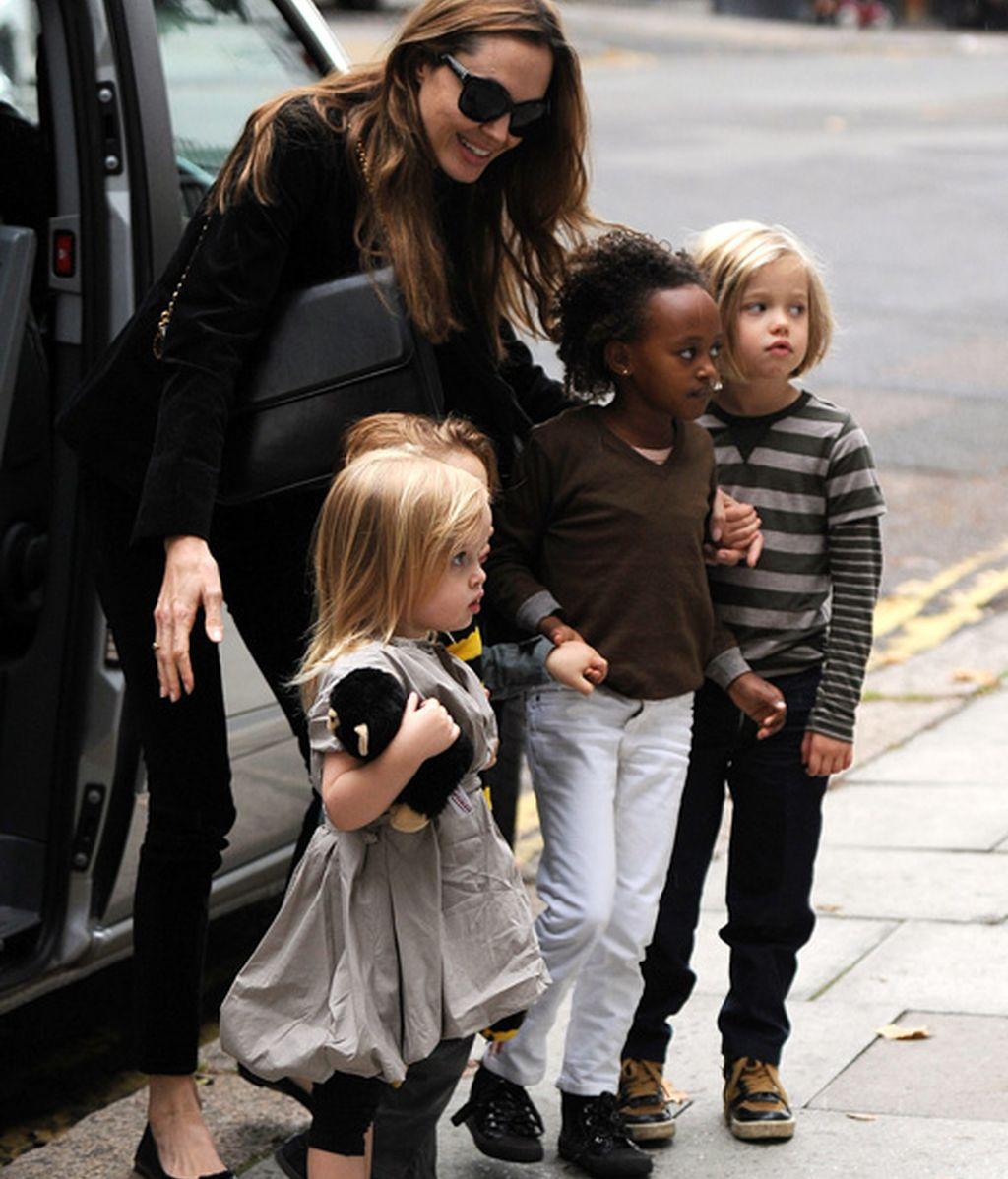 Fiestuqui de los niños Jolie-Pitt en casa de Kingston, el hijo de Gwen Stefani