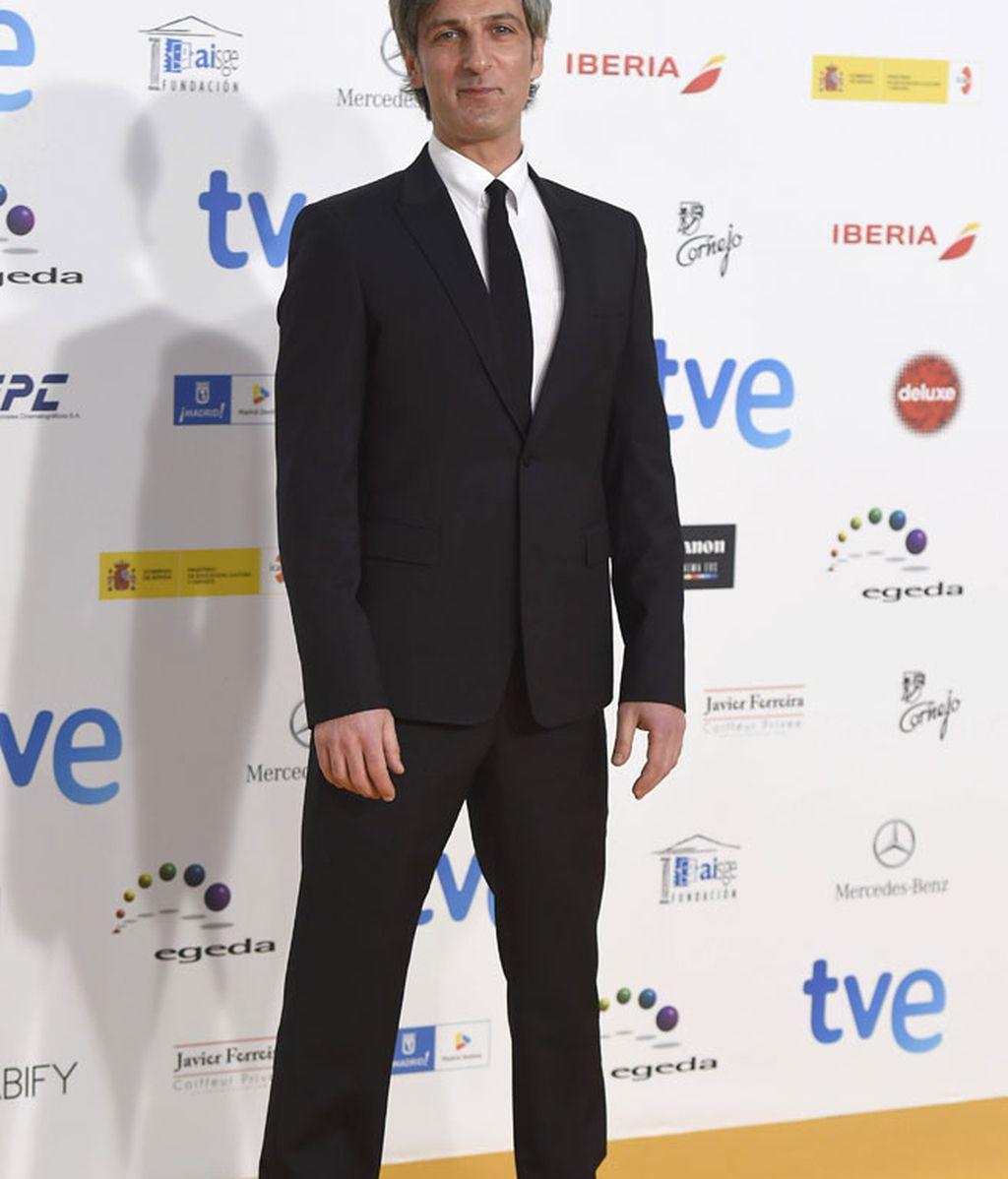 Ernesto Alterio también se decantó por traje y corbata en negro
