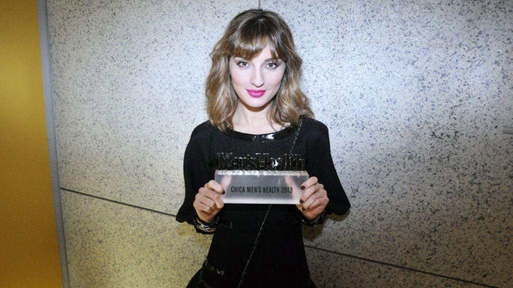 La única mujer premiada durante la gala fue María Valverde, vestida muy elegante de Chanel