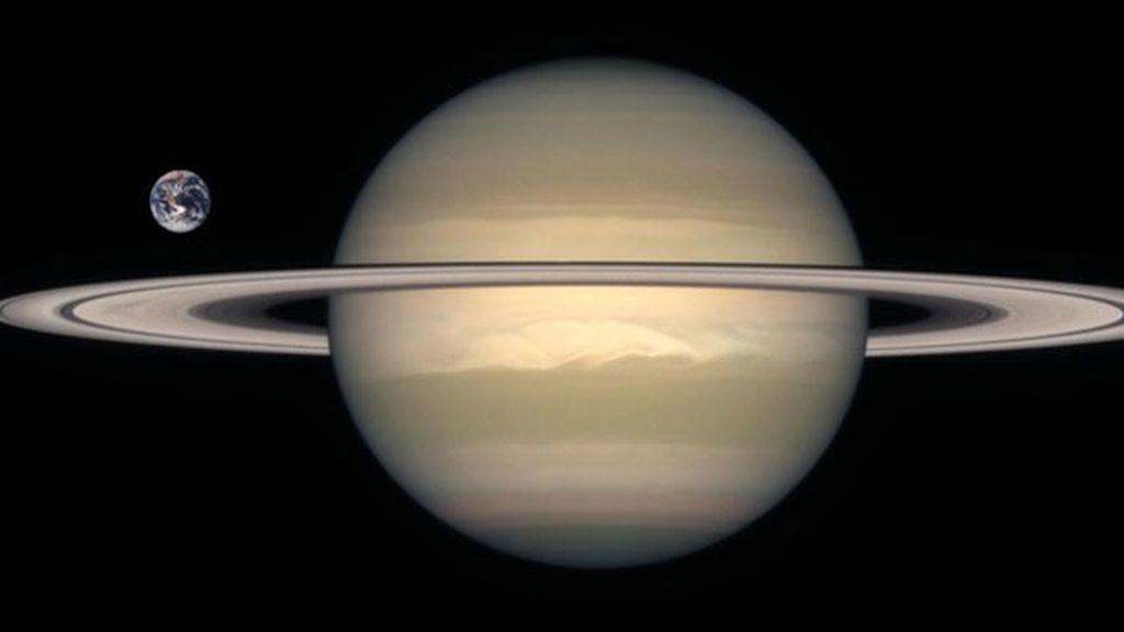 Alienación entre Saturno, la Tierra y el Sol