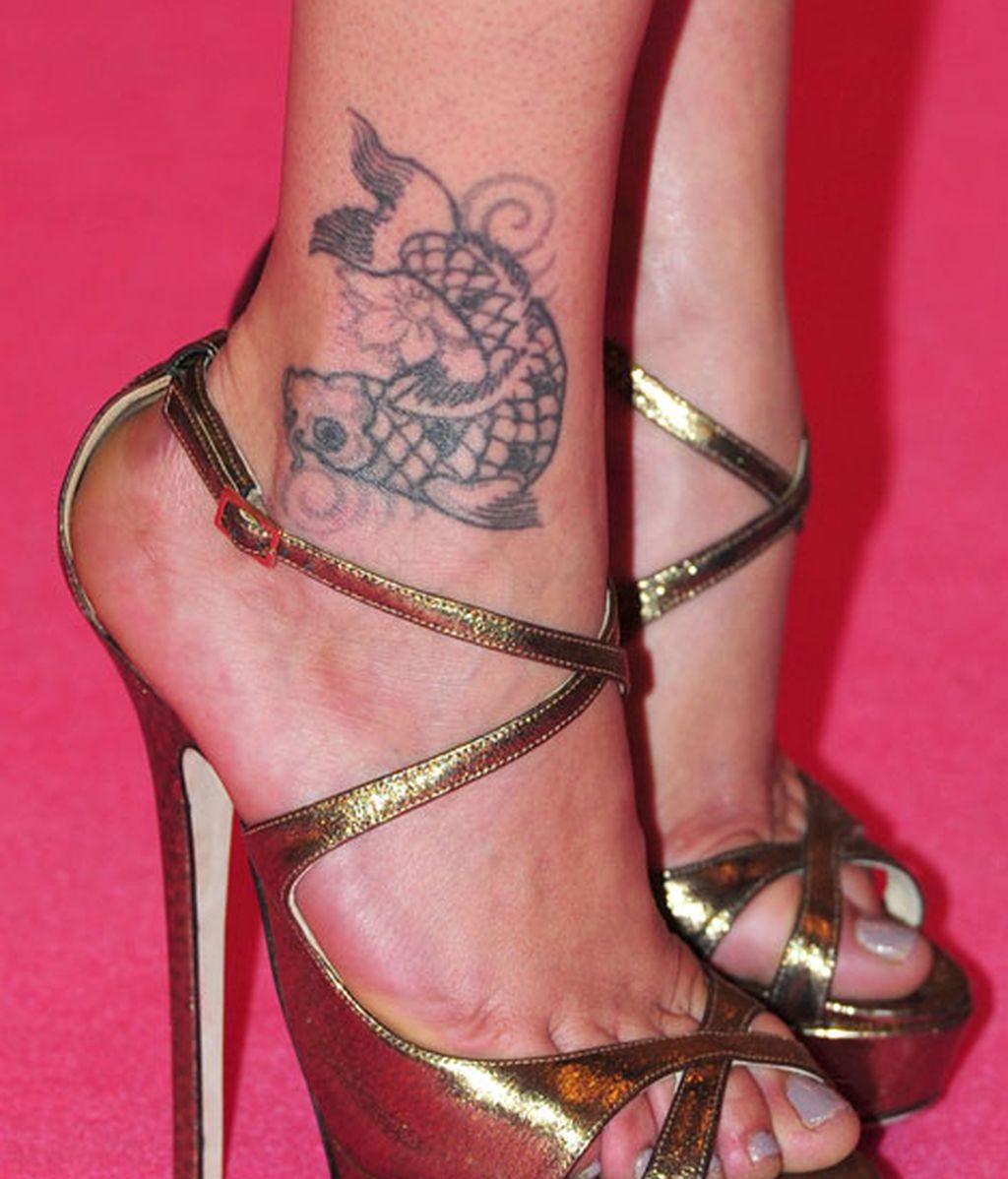 Las sandalias doradas de María León