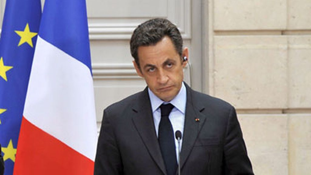 Sarkozy durante el encuentro con  su homólogo estadounidense, George Bush, este sábado en Francia.