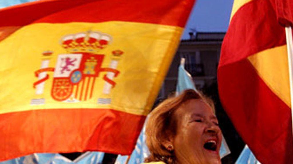 El PP se impone con un 37,49 de los votos, frente al 27,87 de PSOE (87,3 % escrutado)