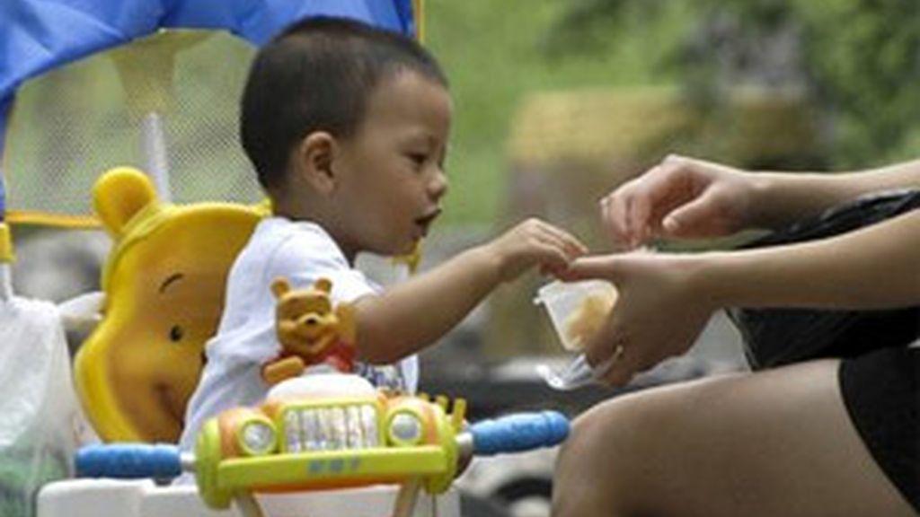 Los amigos y los comedores escolares influyen más que la familia en los hábitos alimentarios. Foto: EFE