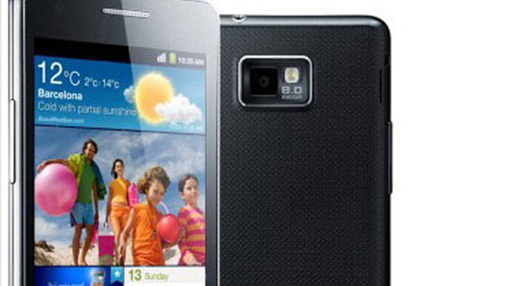 El Samsung Galaxy II, uno de los modelos de la compañía surcoreana a las que Apple acusa de haberle copiado el diseño.