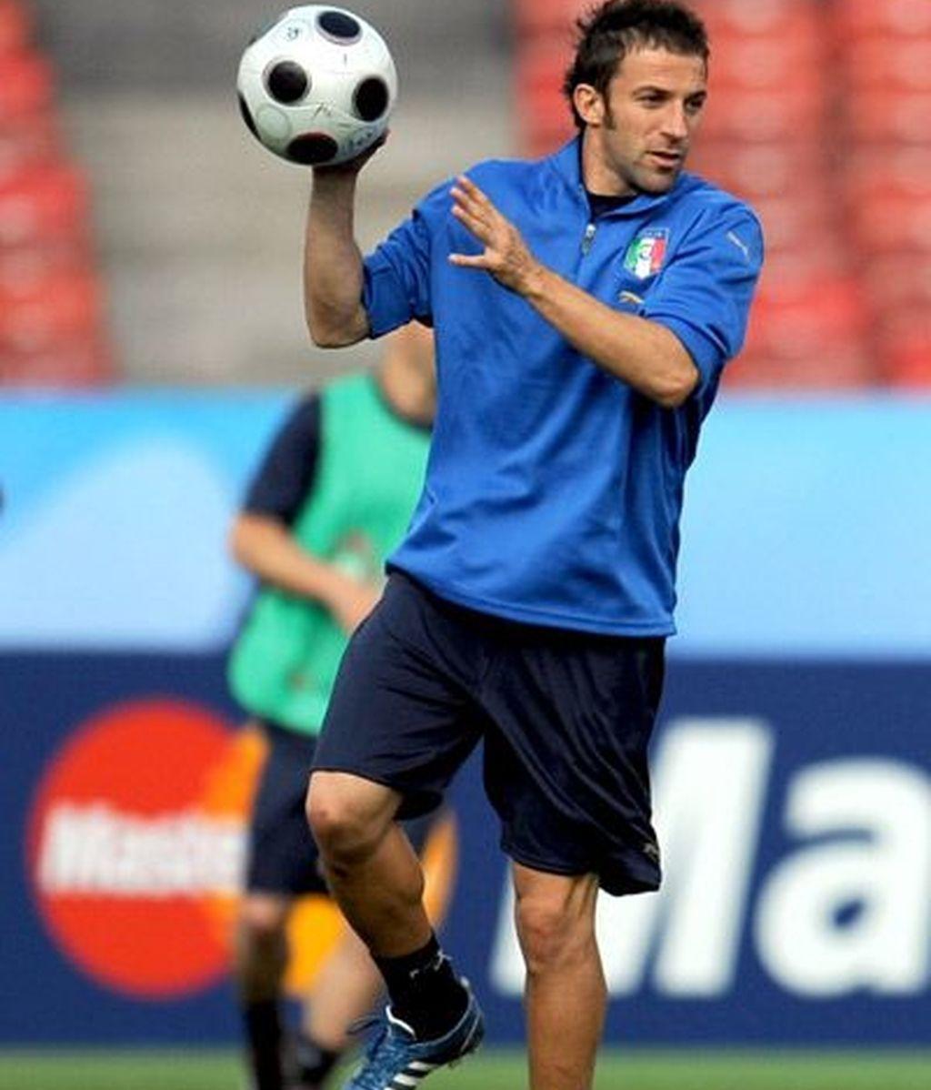Del Piero en el entrenamiento antes del partido contra Rumanía.