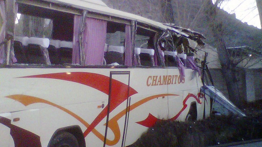 Estado en el que ha quedado el autobús que ha sufrido un accicente en Xátiva