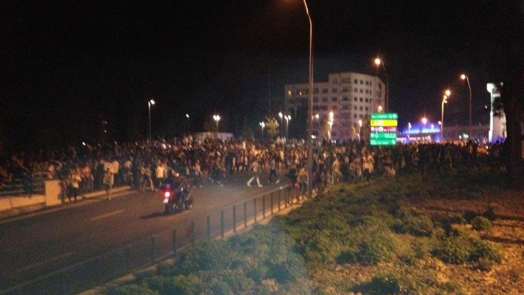 Disturbios en el MTV Beach. Foto: @RSKloveu