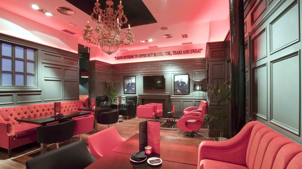 Salon Churchill en Bristol Bar