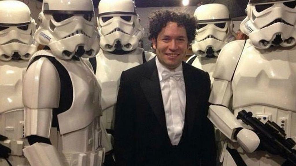 Condujo la música de apertura y cierre de 'Star Wars: El Despertar de la Fuerza'