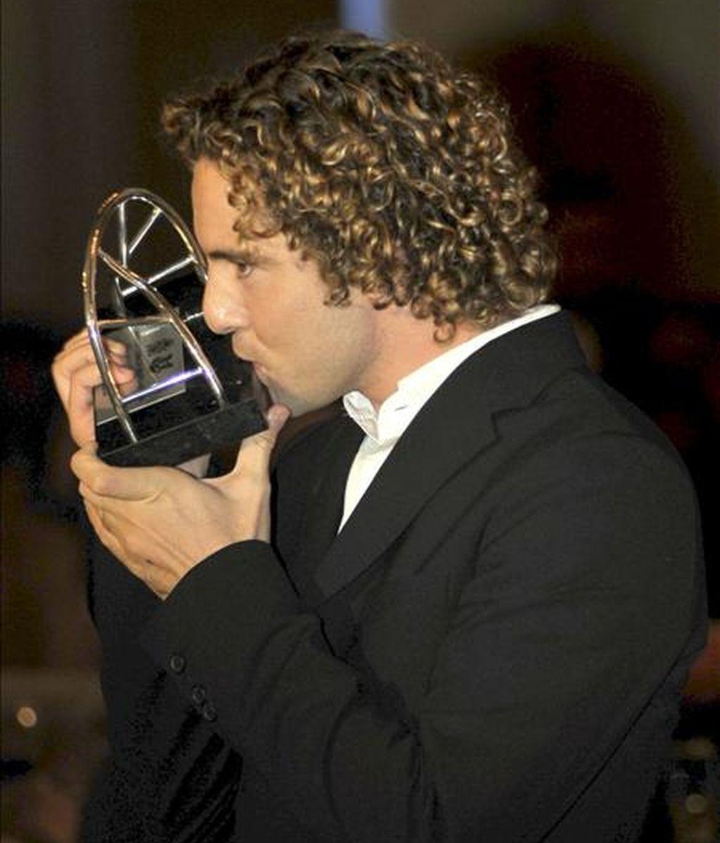 """El cantante español David Bisbal, que espera iniciar en enero del 2010 una intensa gira por Latinoamérica y EEUU, recibió anoche en Miami el premio """"Español Universal 2009"""" que otorga la Cámara de Comercio Española-Estadounidense. EFE"""
