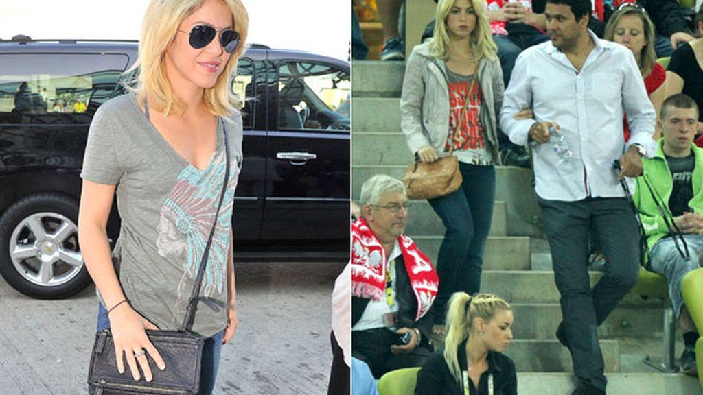 Shakira, bolso estratégicamente en mitad del medio