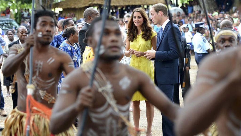 Kate Middleton, del top less al total look tribal