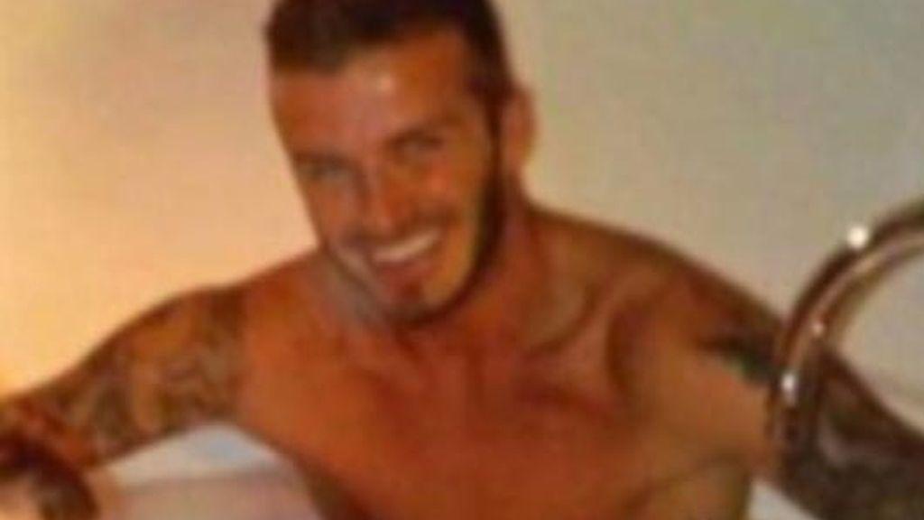 David Beckham, ¡pillado con un hombre!
