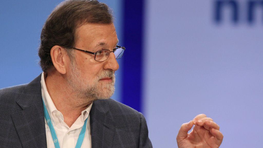 "Rajoy critica la política de ""postureo"""