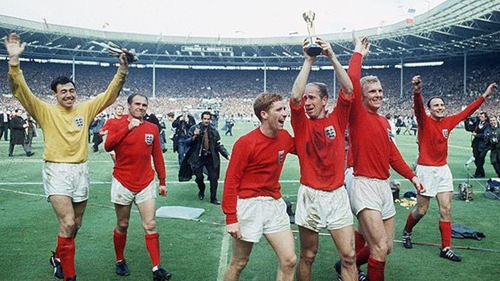 Inglaterra ganó su mundial con su 'roja'