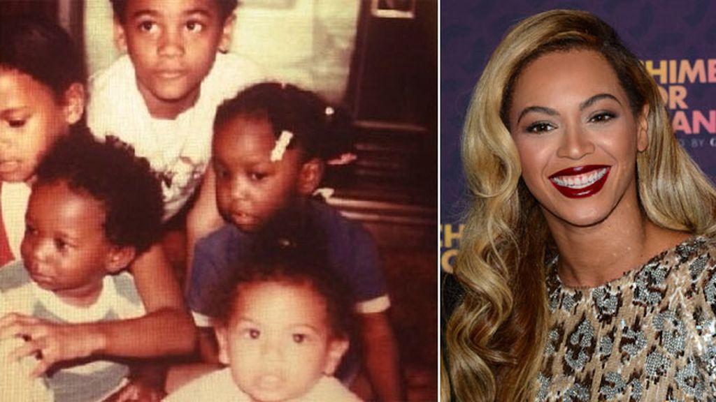 Beyoncé junto a su familia en 1983