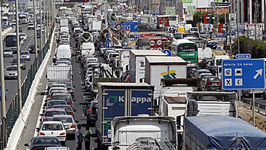 Atasco, tráfico, coches, contaminación
