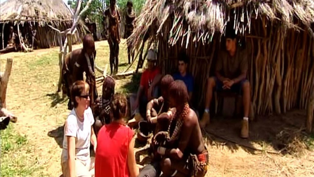 Candelaria sufre mucho para adaptarse a la comida en Etiopía