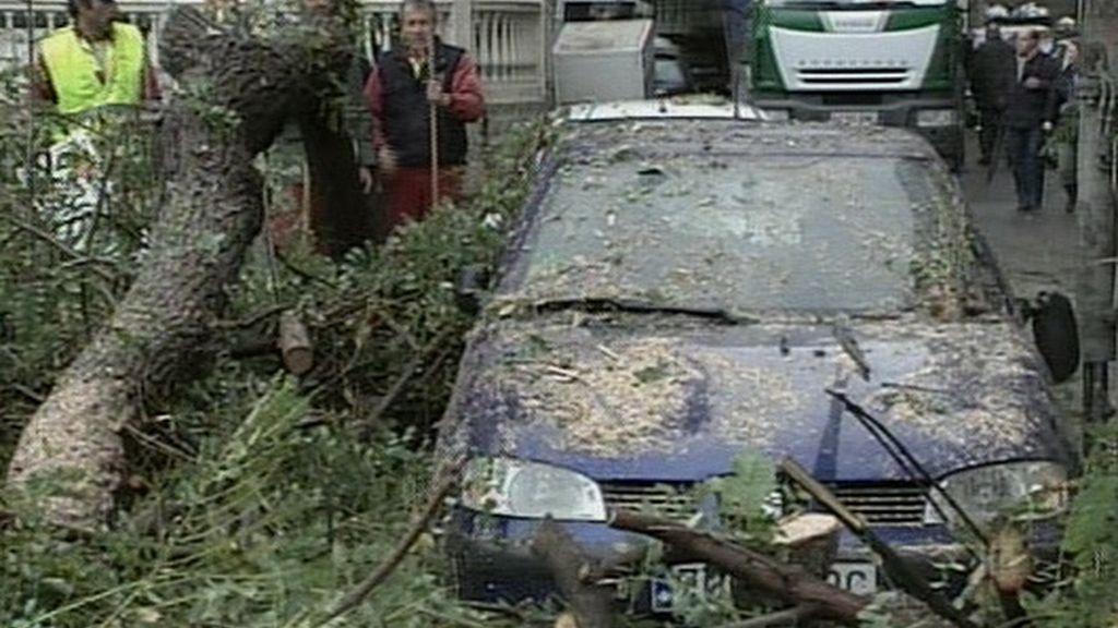 Un tornado deja 25 heridos y grandes destrozos en Málaga